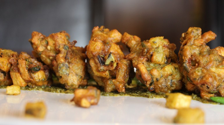 Mixed Vegetable Pakoras – Sabzi ka Bhajia